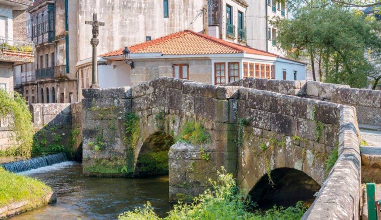 Puente romano sobre el río Bermaña