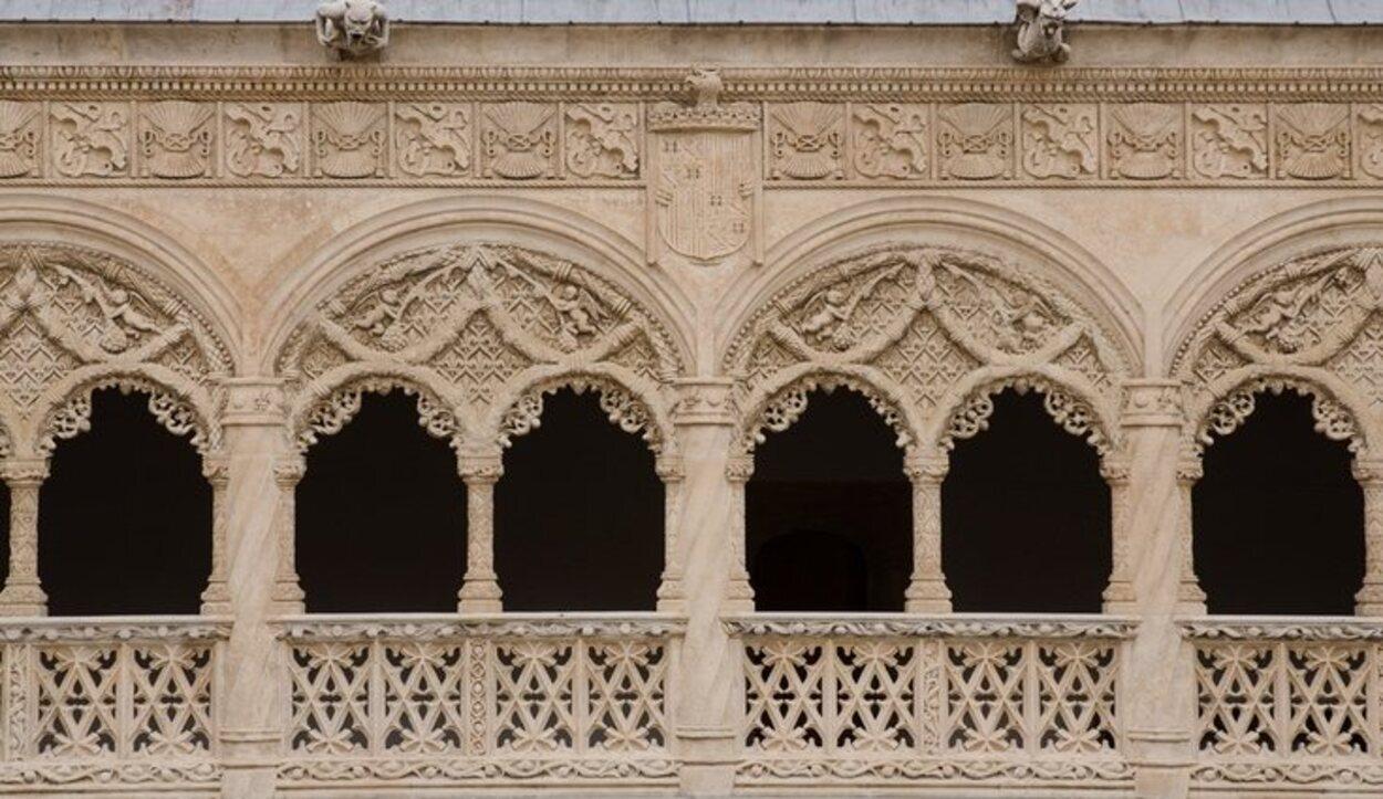 En particular, su patio es célebre por su refinada ornamentación
