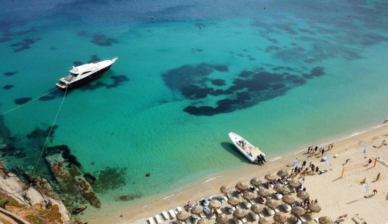 El viaje Mykonos- Santorini los ferries más rápidos tardaran dos horas
