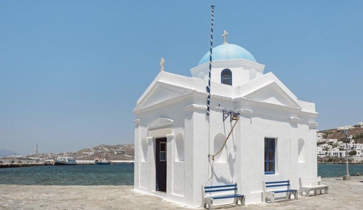 Iglesia de San Nicolás, ubicada n el puerto de Mykonos