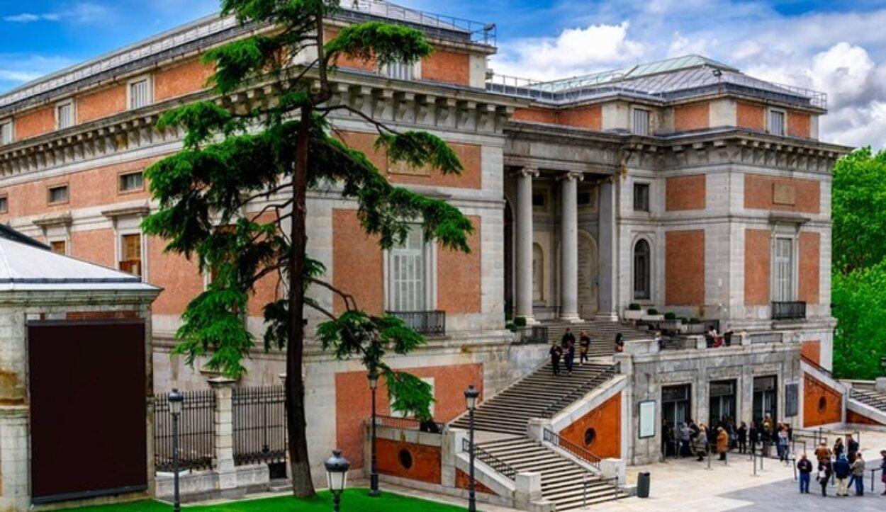 El Edificio Villanueva destaca por sus trazas clásicas y la planta basilical