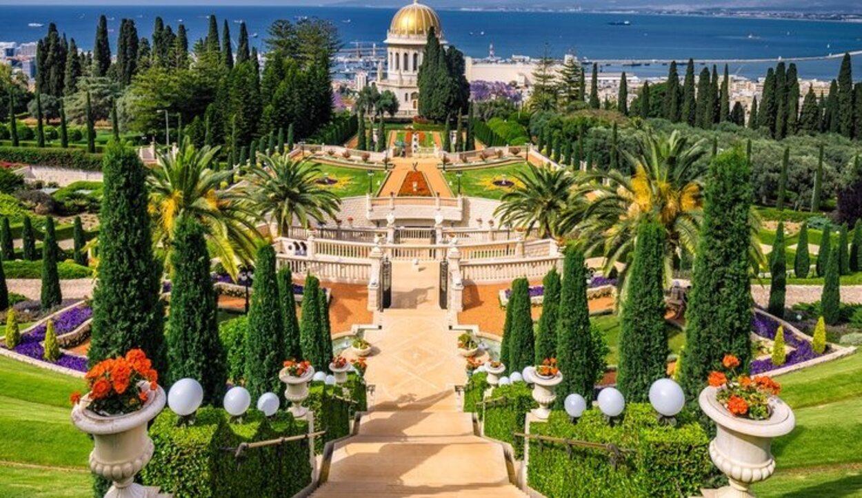 En las laderas del Monte Carmelo se encuentra este templo que te enamorará