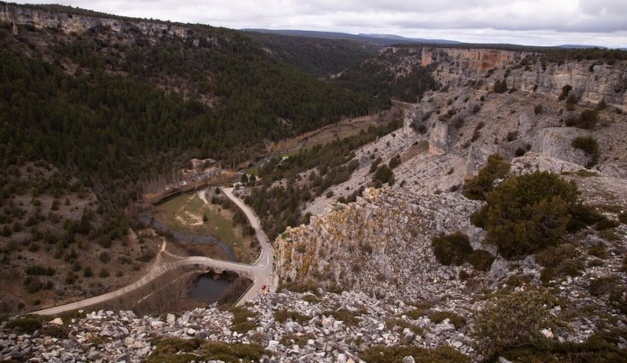 Acceso con el automóvil al Cañón del Rio Lobos