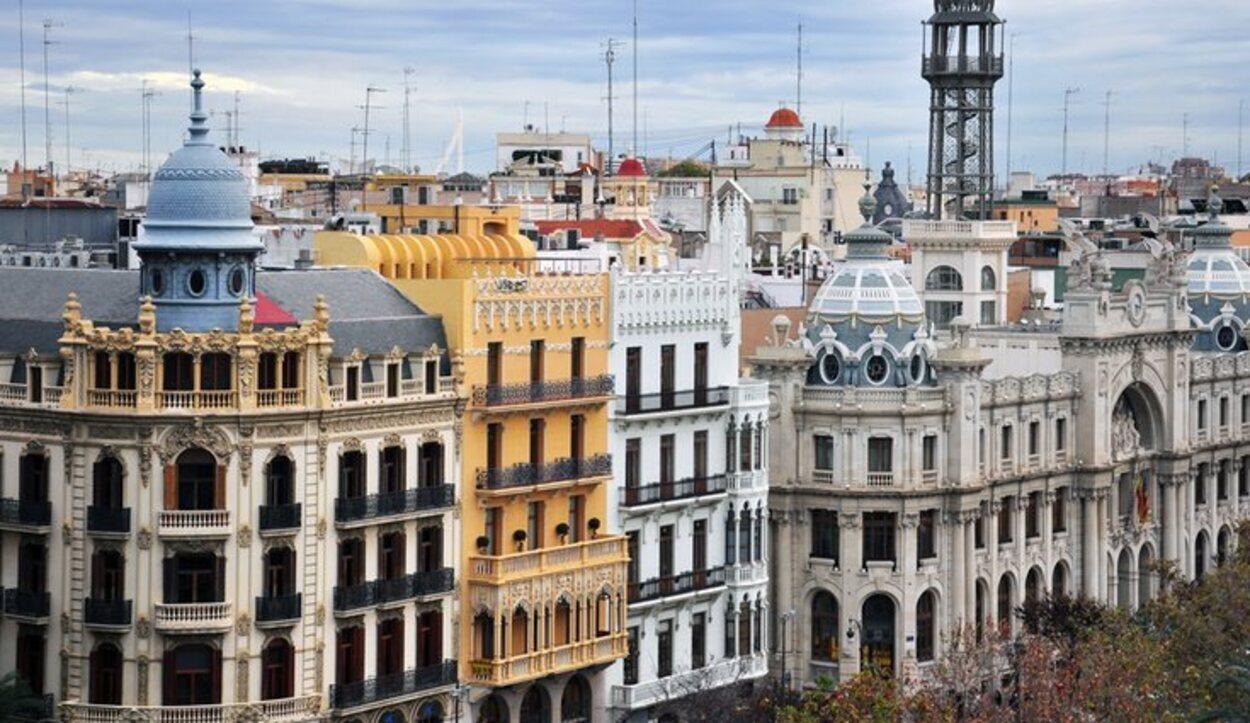 En Valencia puedes descubrir desde construcciones medievales hasta edificios de lo más innovadores