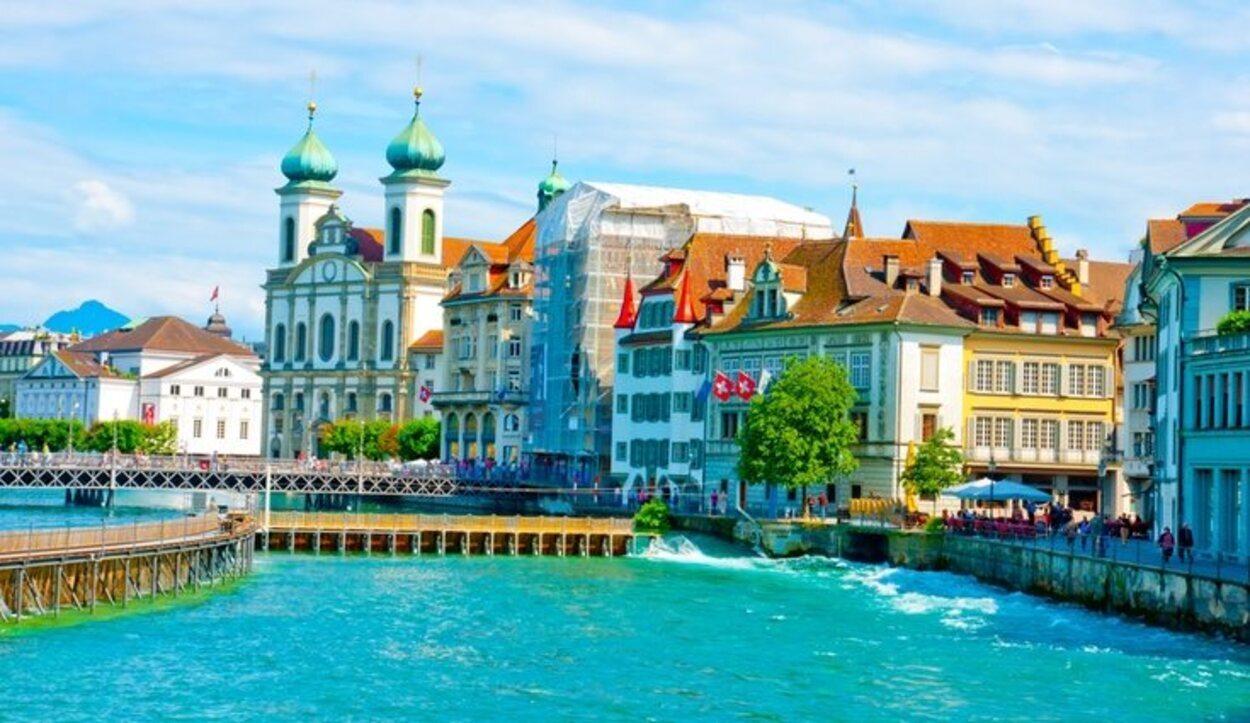 Lucerna es una de las ciudades de origen medieval más importantes de Suiza