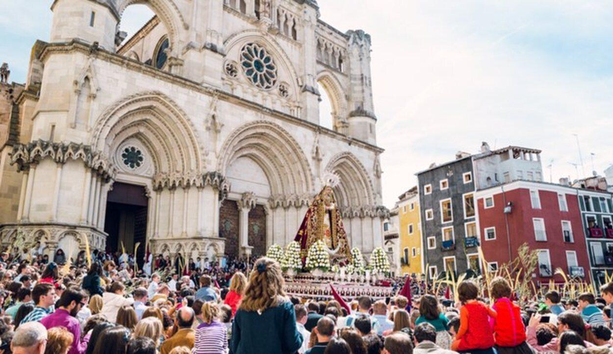 La procesión de la Turbas es el acto que más gente congrega la Semana Santa coquense