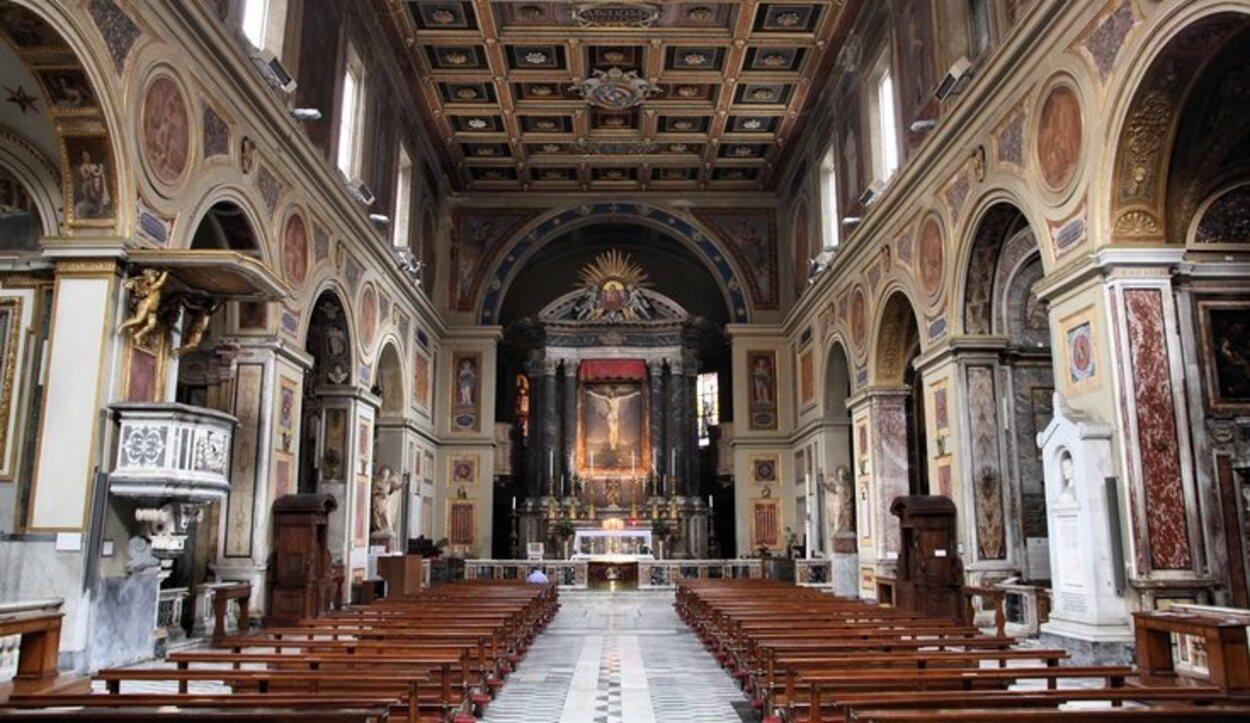 Interior de la Basílica de San Lorenzo Extramuros