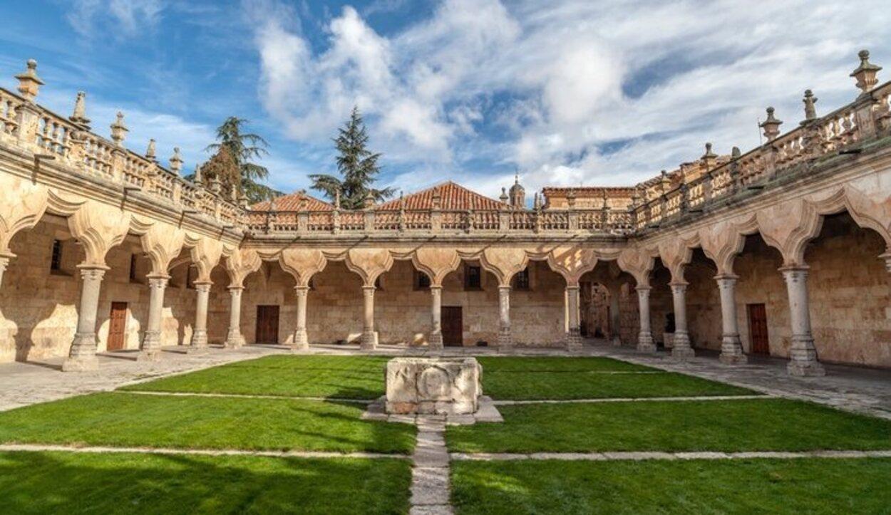 Claustro de la Universidad de Salamanca