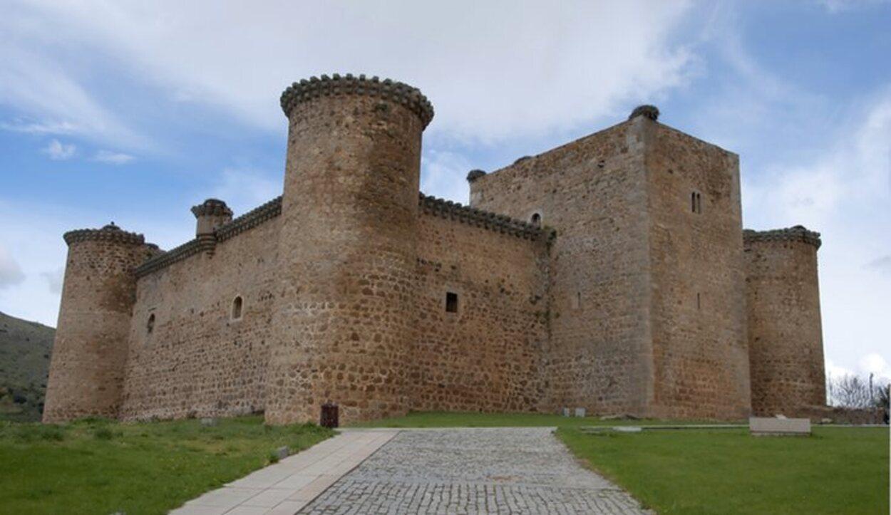 El Castillo de Valdecorneja se puede visitar todos los días del año