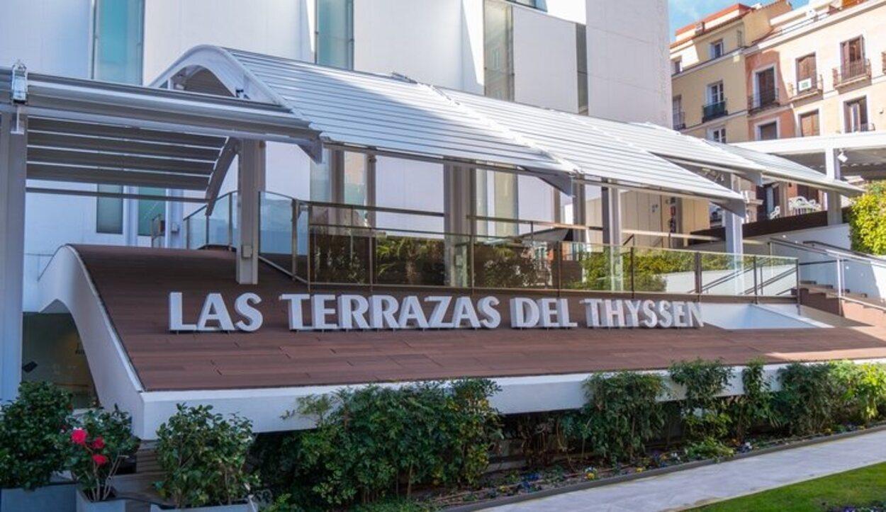 Se puede hacer una visita al museo Thyssen y terminarla picando algo en su terraza