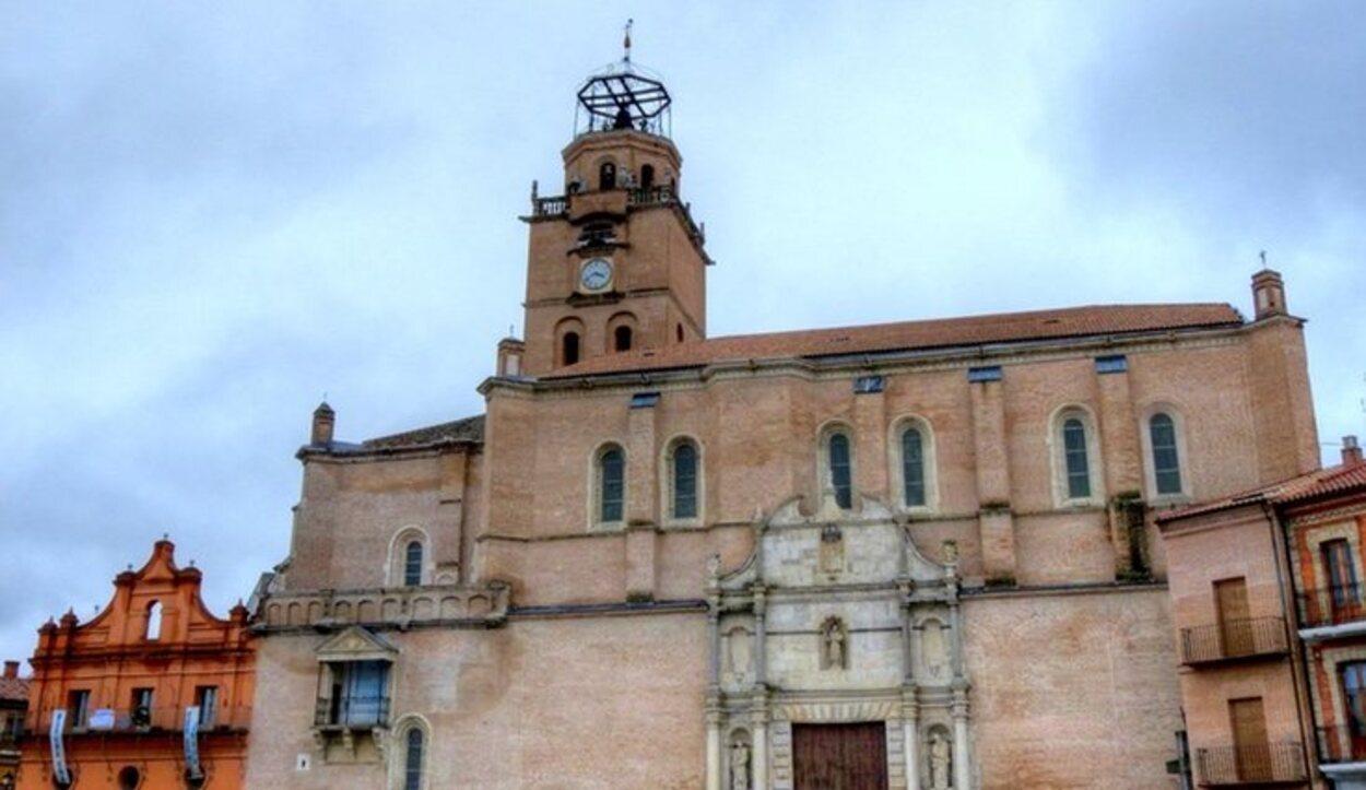 La Colegiata de San Antolín es la Parroquia principal de Medina del Campo
