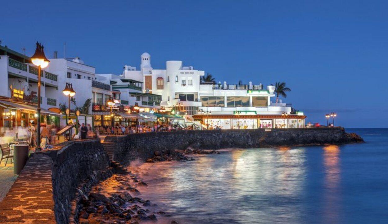 El área de Playa Blanca se ha consolidado como el tercer enclave turístico de la isla en los últimos años