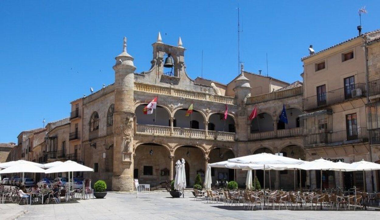 Uno de los edificios que se encuentran en la Plaza Mayor es el Ayuntamiento de Ciudad Rodrigo