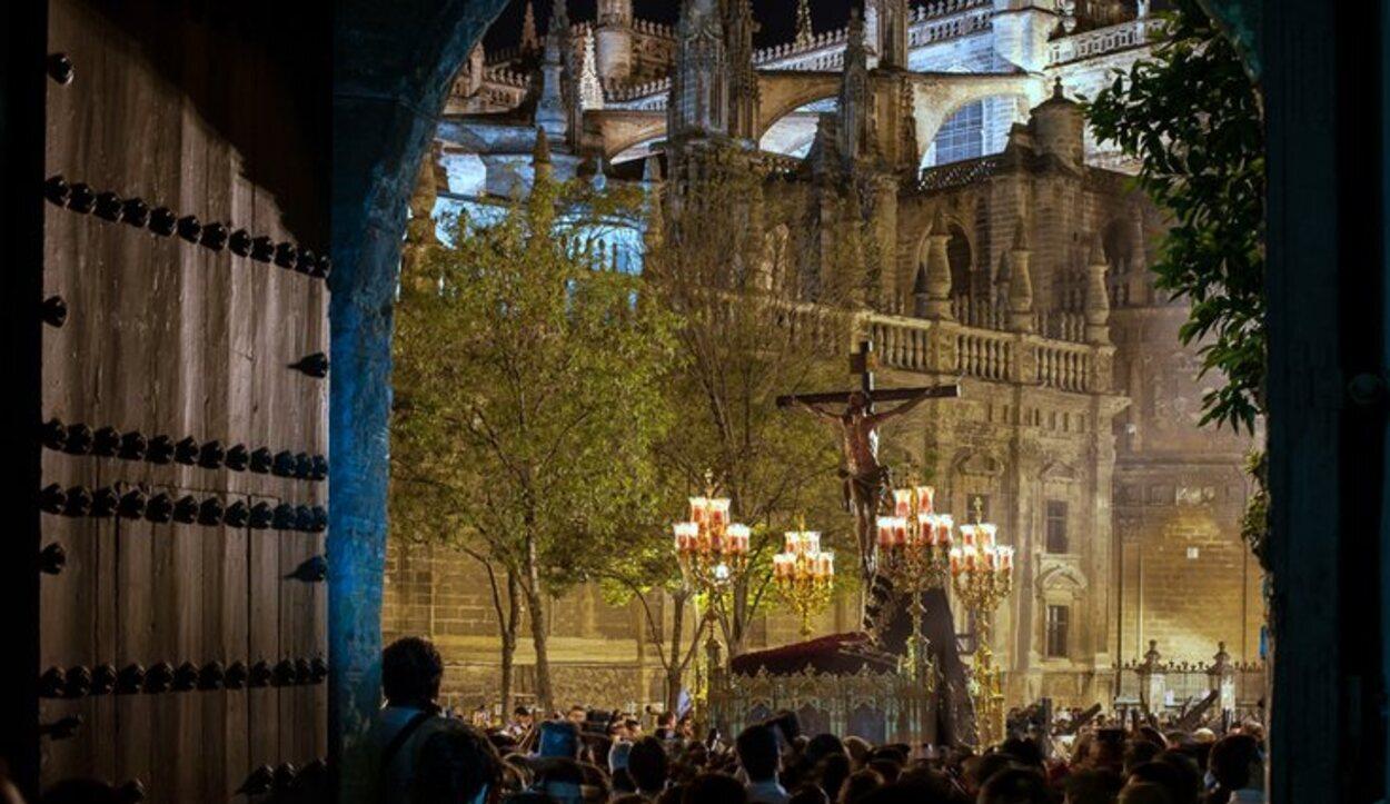 La Carretería pasa por la Plaza del Triunfo y otros lugares emblemáticos de la ciudad