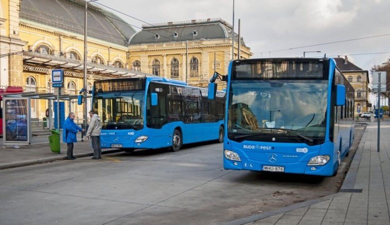 El autobús es el principal medio de transporte público para llegar al centro de Budapest