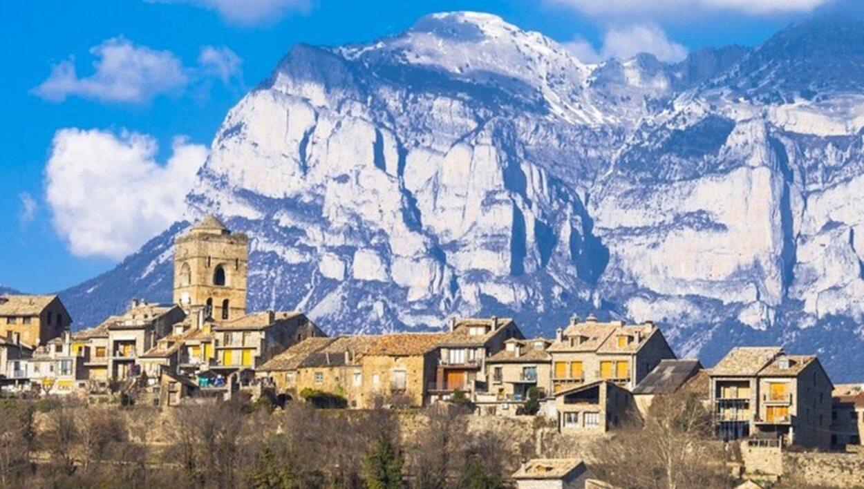 Aínsa ofrece uno de los paisajes más impresionantes de la provincia de Huesca