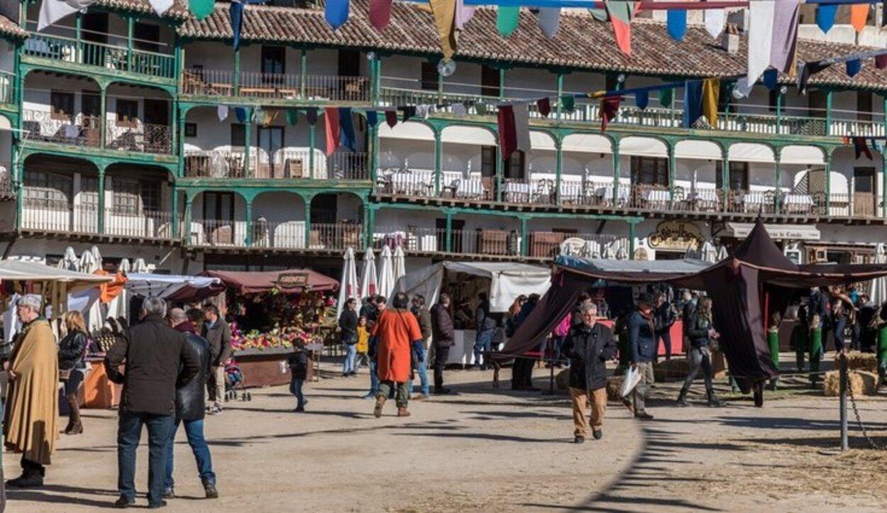 Mercado medieval en la Playa Mayor de Chinchón