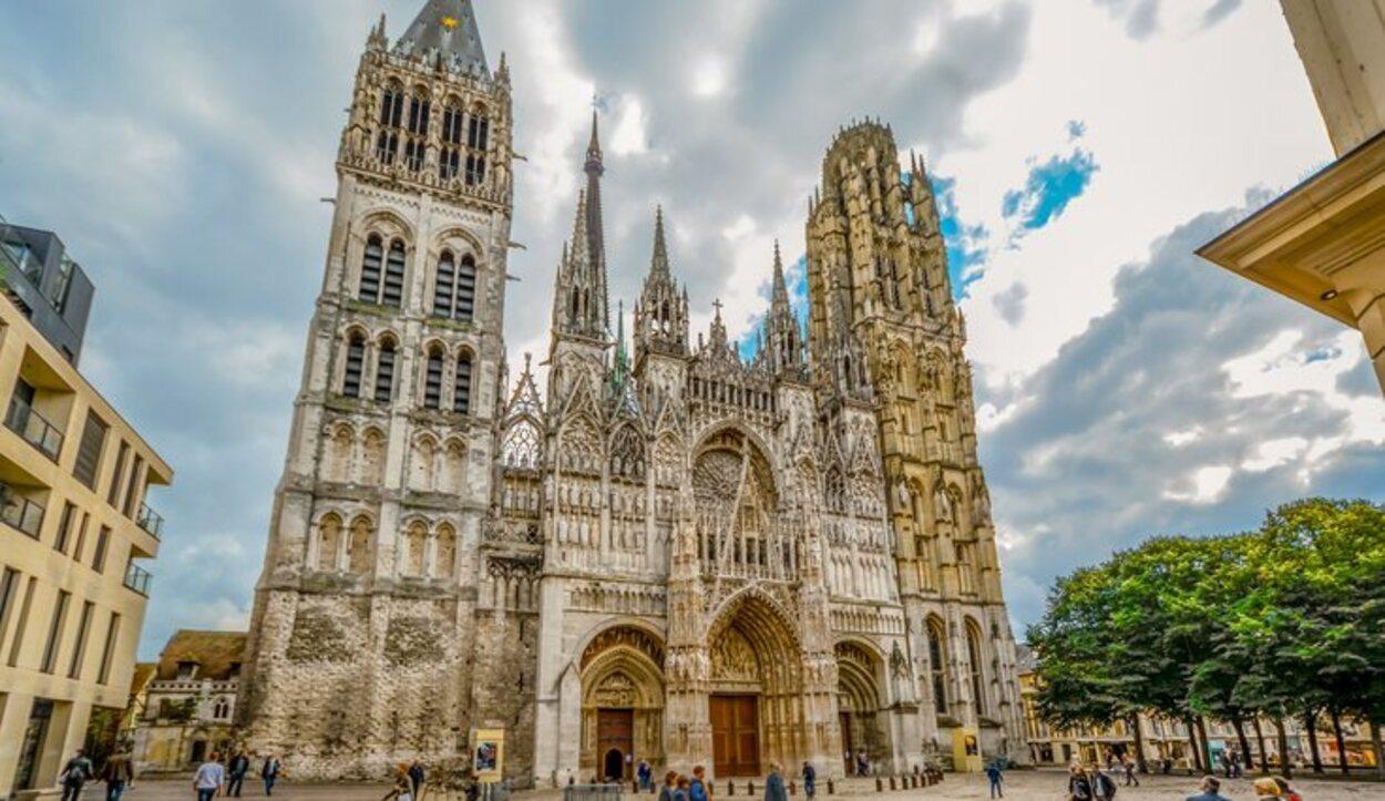La Catedral de Notre-Dame de l'Assomption de Rouen ha sido retratada por pintores de prestigio