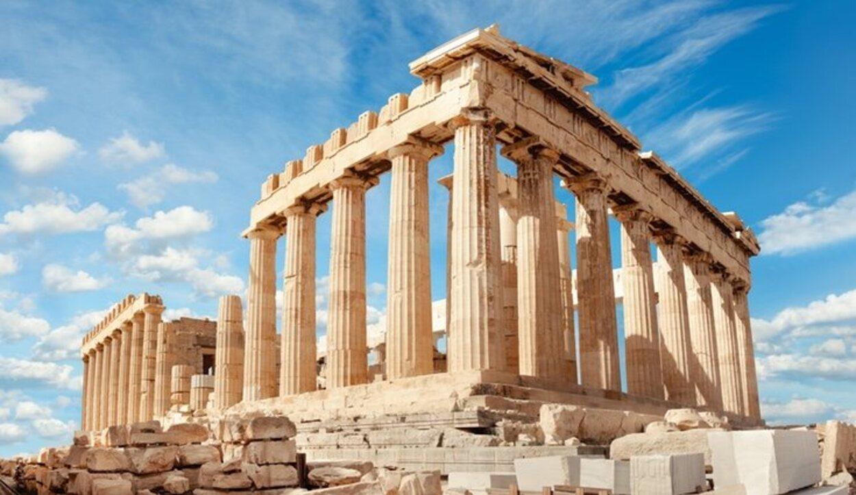 Los meses más calurosos en Atenas son junio, julio y agosto