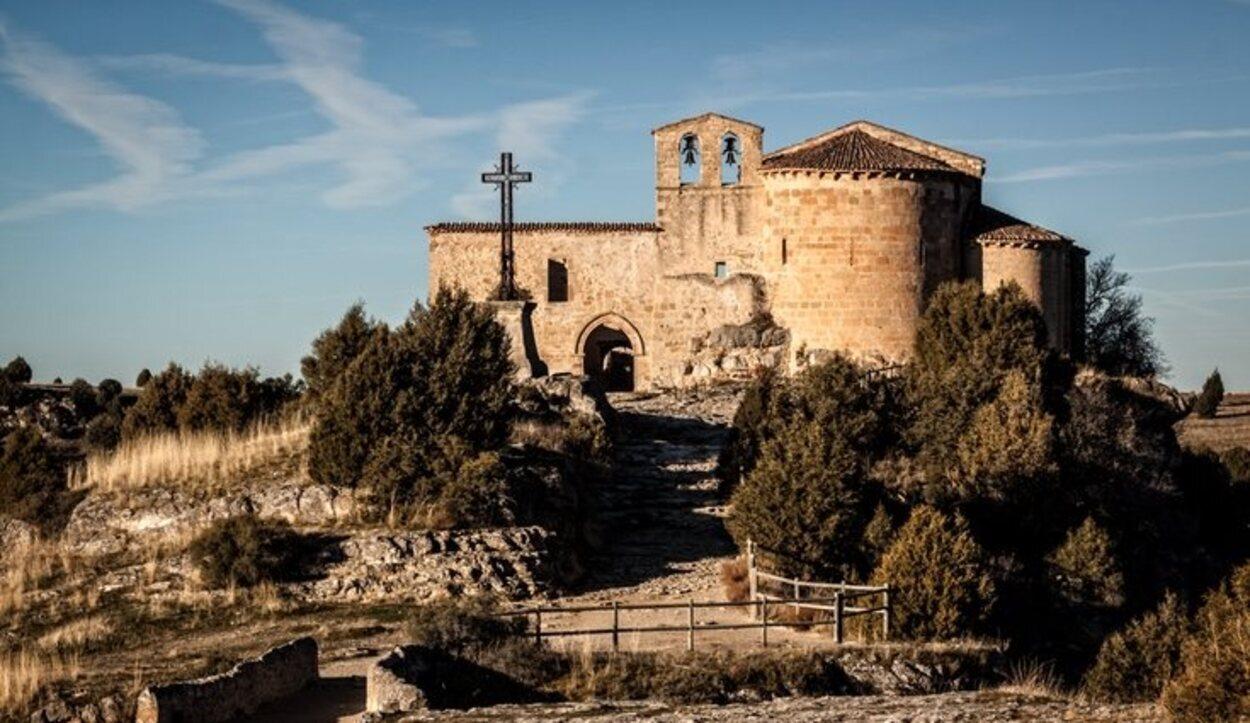 La ermita de San Frutos se encuentra junto a las Hoces del Duratón