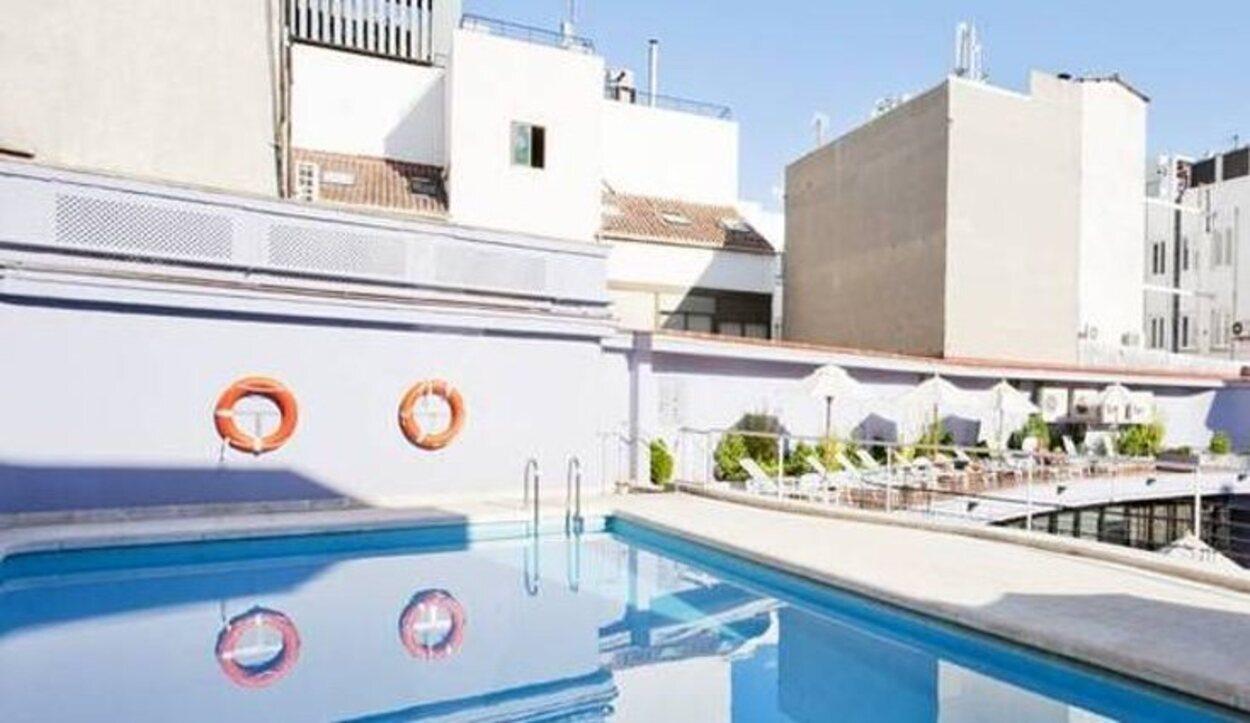 El Hotel NH Sanvy Colón tiene una enorme piscina en la azotea | Foto: NH Collection