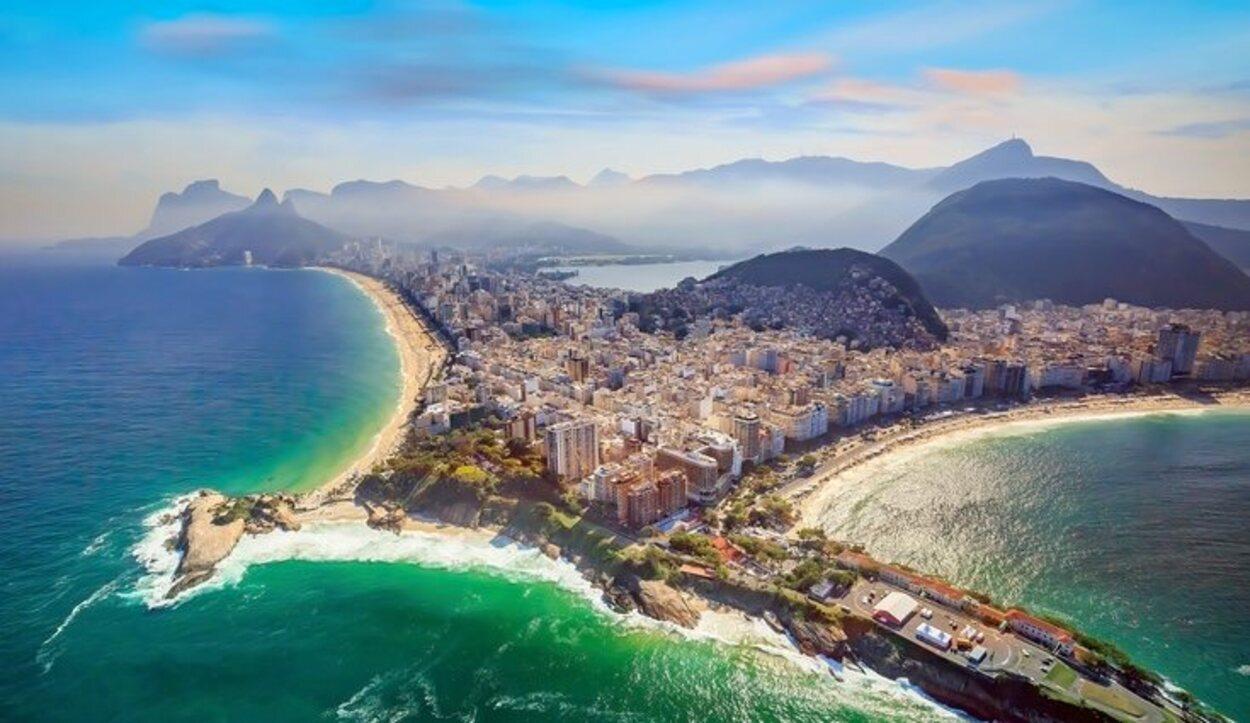 Vista aérea de las playas Copacabana e Ipanema