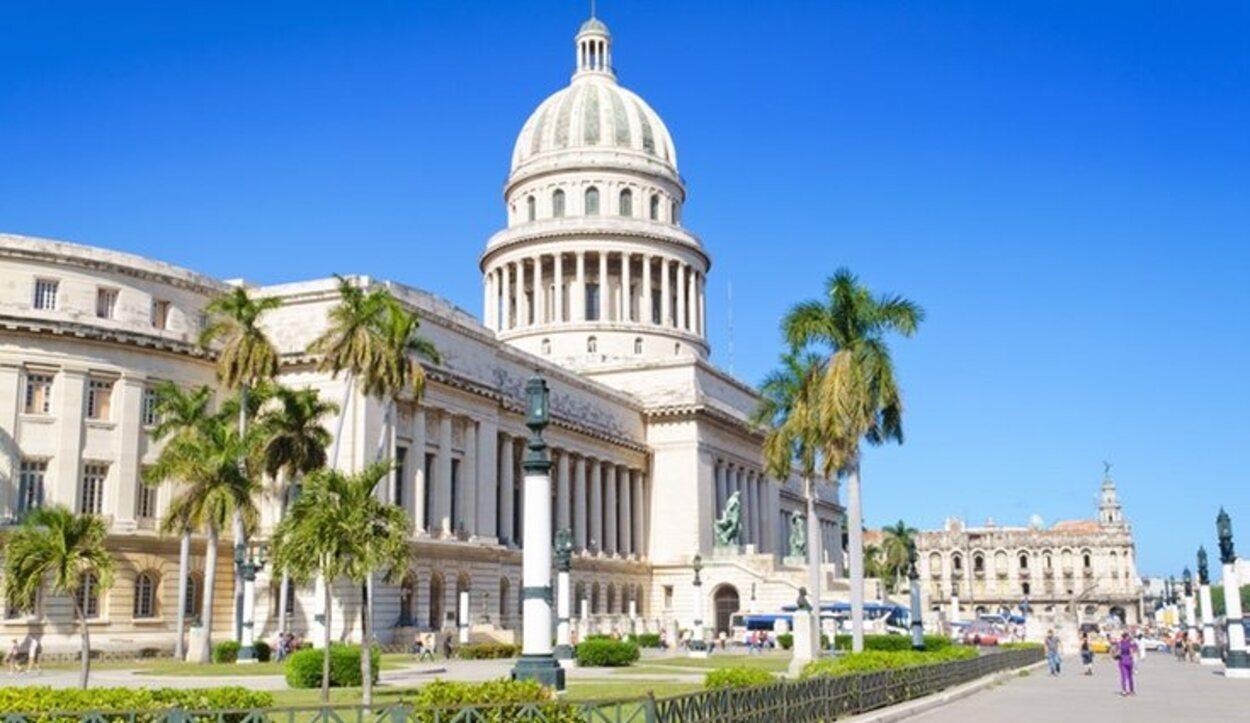 El Capitolio es una replica exacta que la de Washington