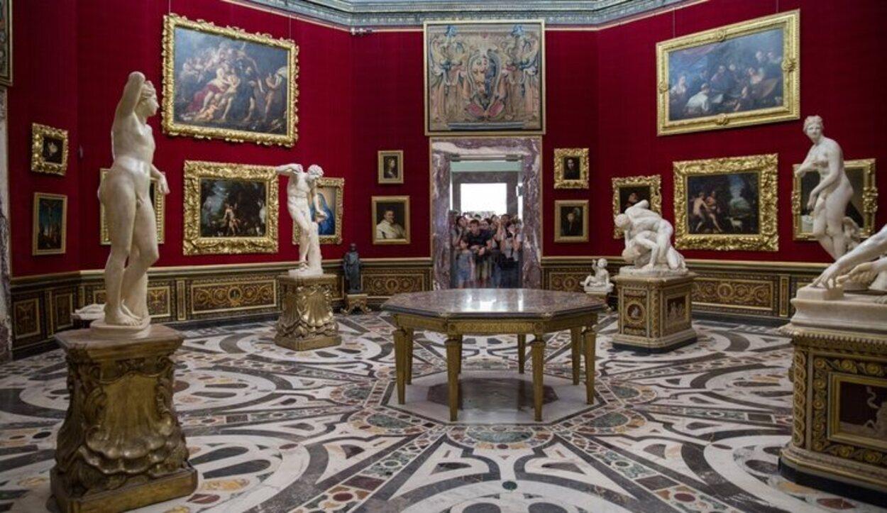 En el Palacio Uffizi se hicieron salas para custodiar piezas artísticas