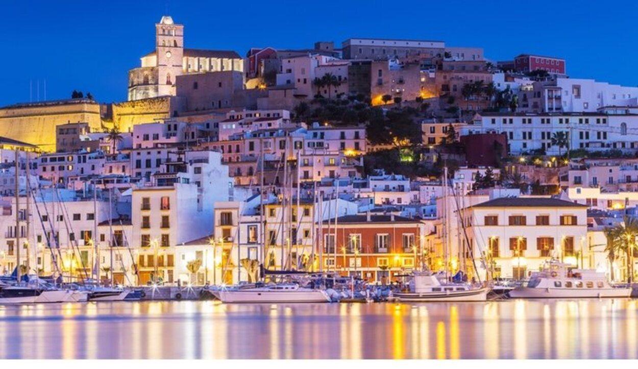 Ibiza es el destino por excelencia para disfrutar de la playa y la fiesta