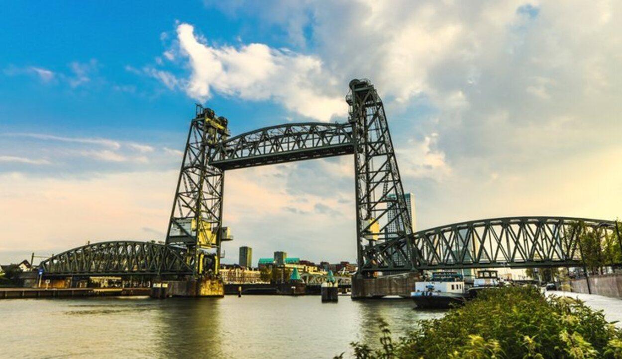 El Puente de Hef está catalogado como Monumento Nacional