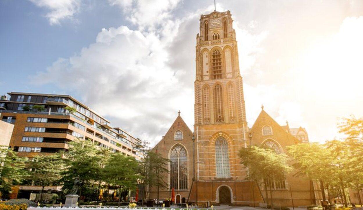 La iglesia de San Lorenzo es la única del período medieval que se conserva en la ciudad