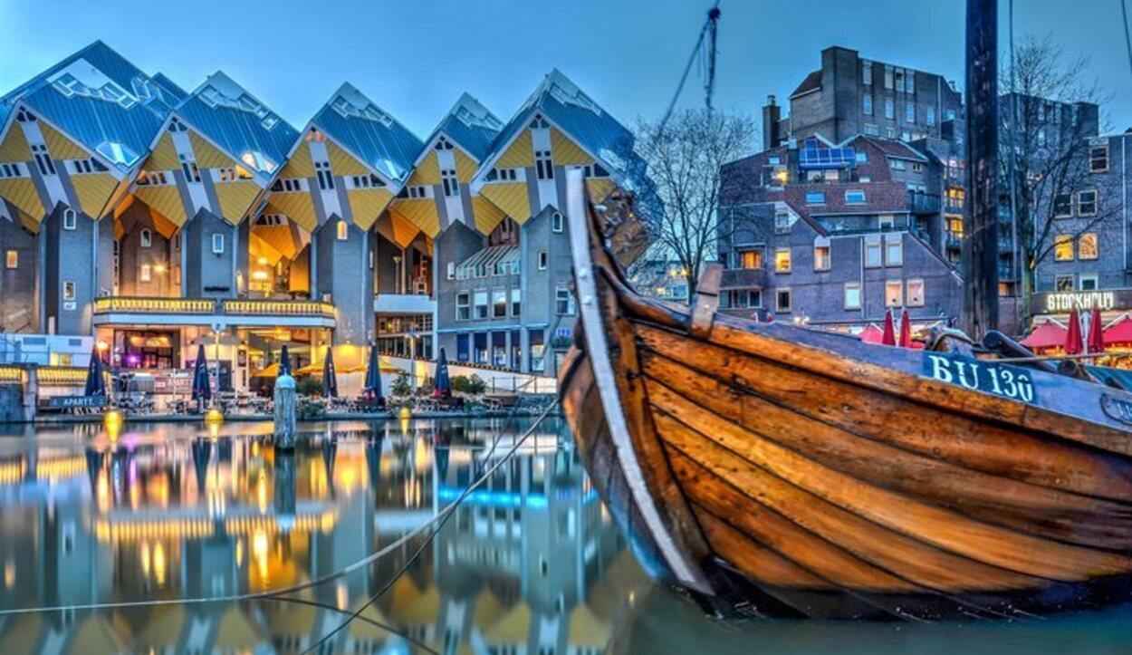 Rotterdam mezcla variedad de artes, donde se fusionan lo antiguo y lo moderno