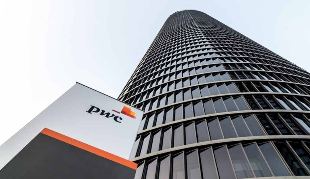 La torre PwC alberga al hotel de 5 estrellas Eurostars
