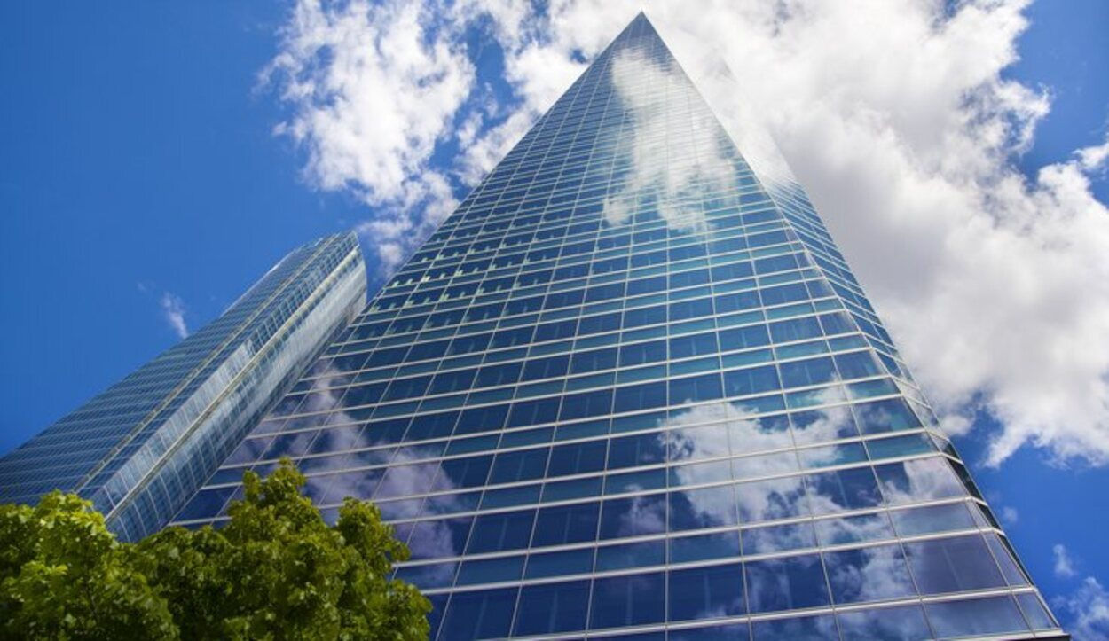 La Torre de Cristal es el edificio más alto de nuestro país