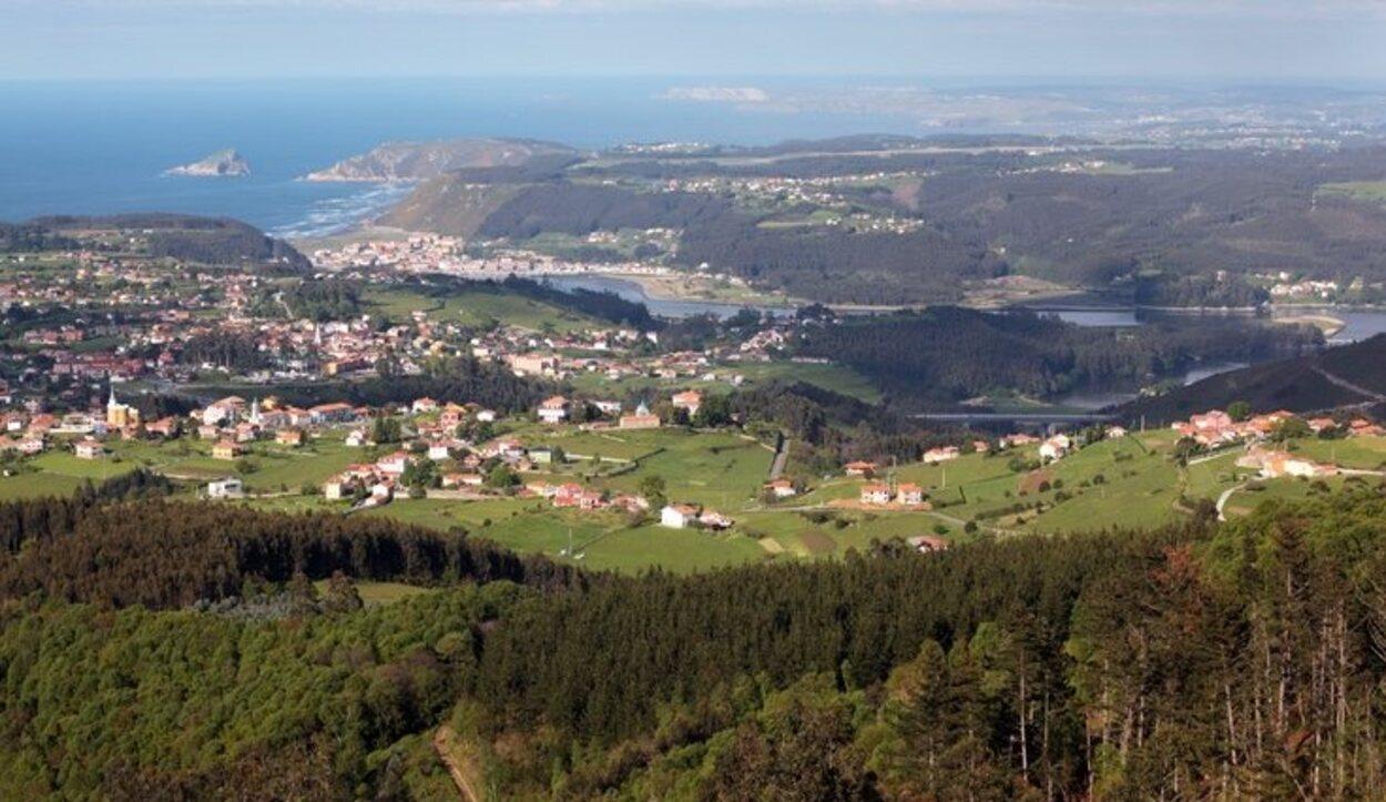 Vista panorámica de Somao y otros pueblos de la zona
