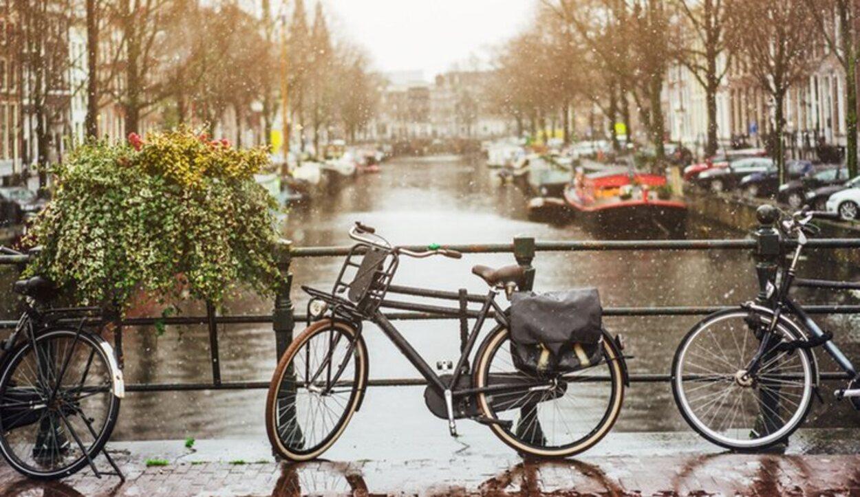 En Ámsterdam son muy frecuentes las lluvias a lo largo de todo el año
