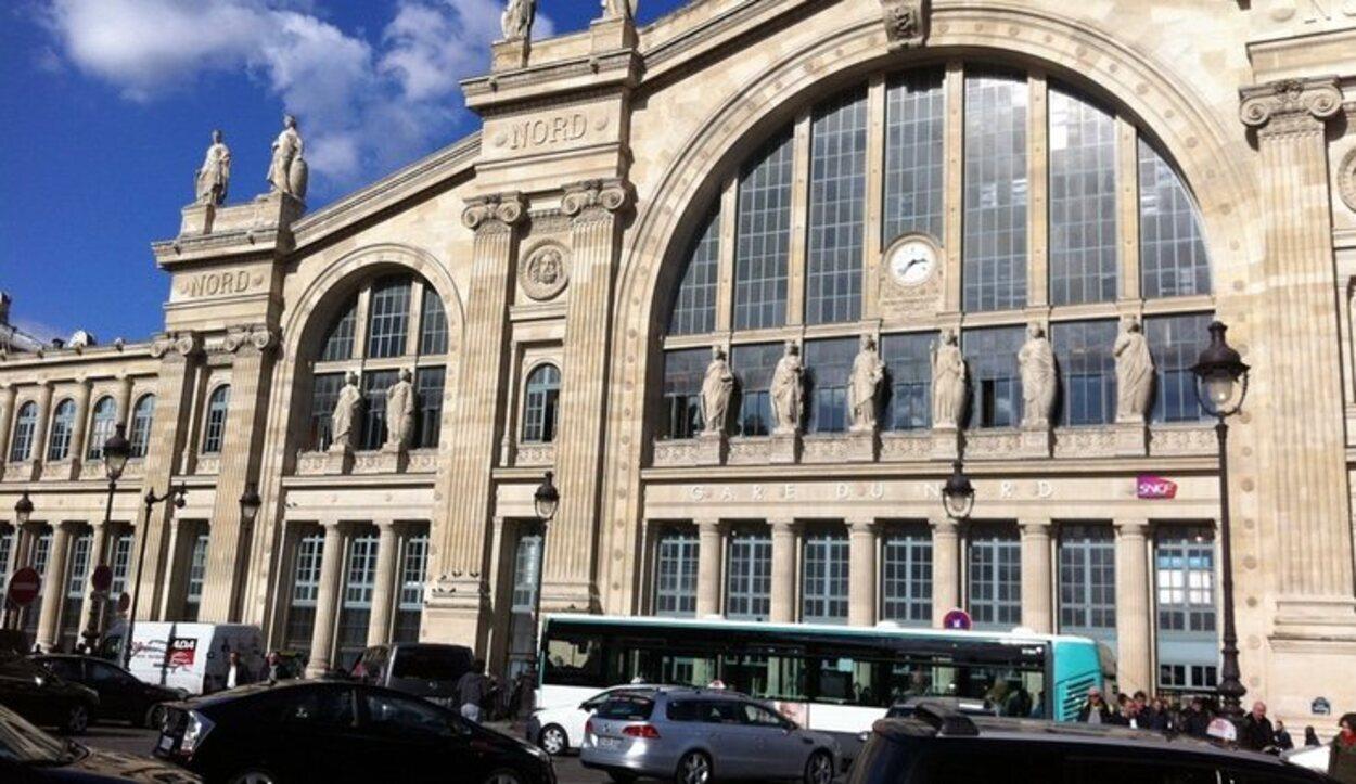 La línea de ferrocarril del aeropuerto hace parada en la estación Gare du Nord