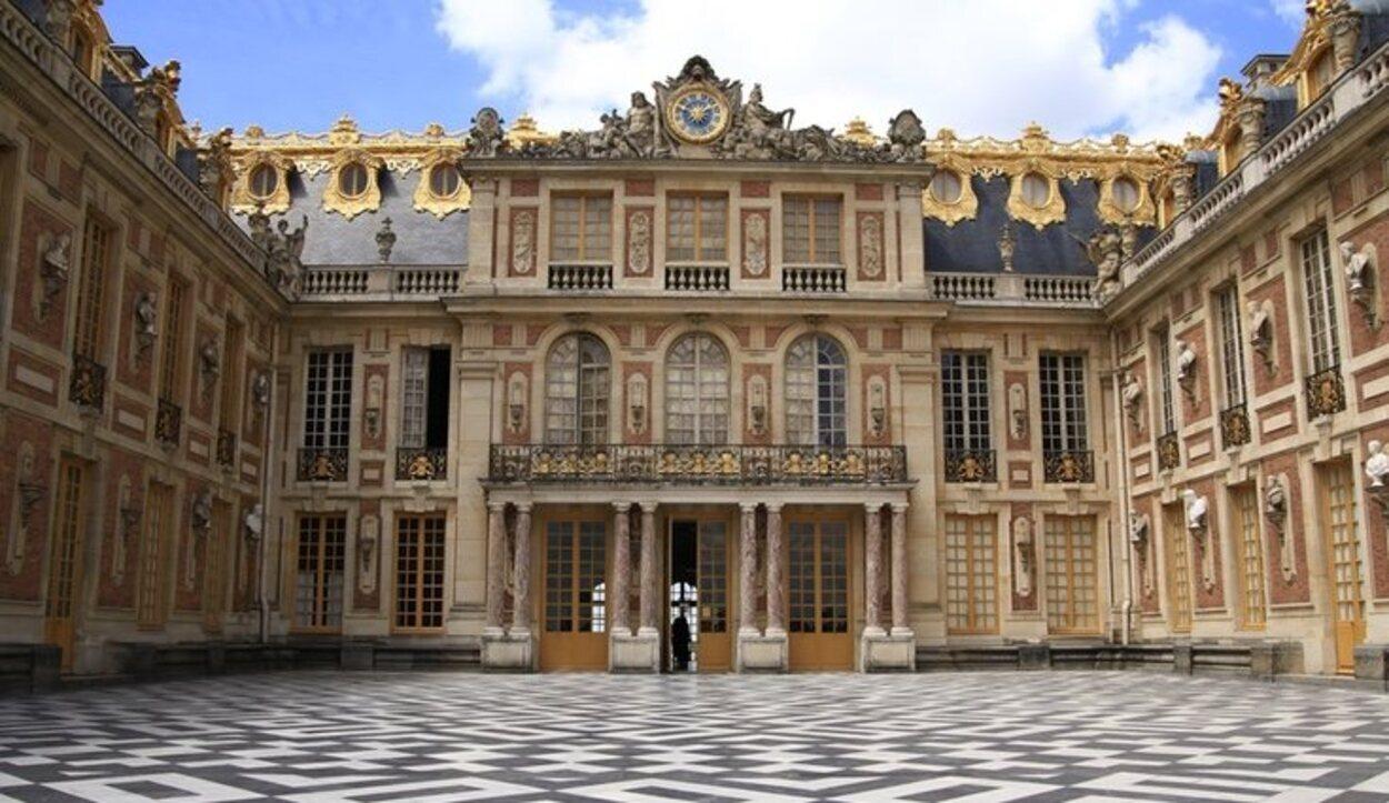 Utilizar el coche desde el Aeropuerto de Beauvais se puede aprovechar para conocer los alrededores como Versalles