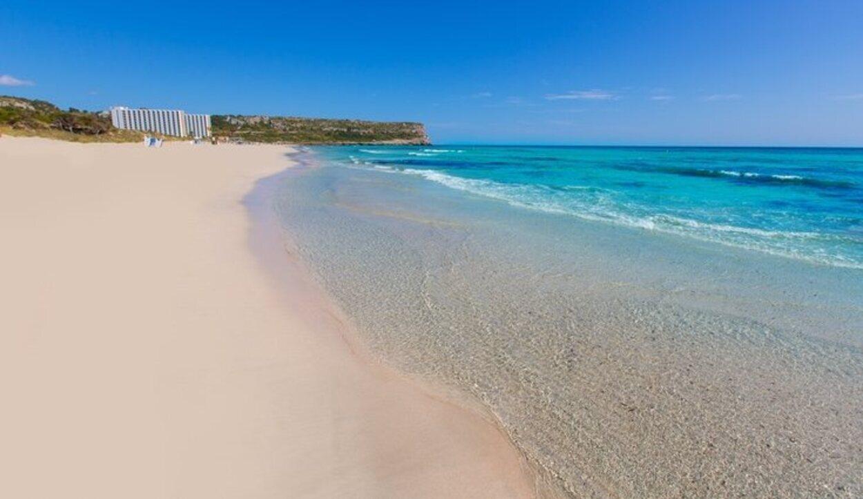 Vista panorámica de la playa Son Bou