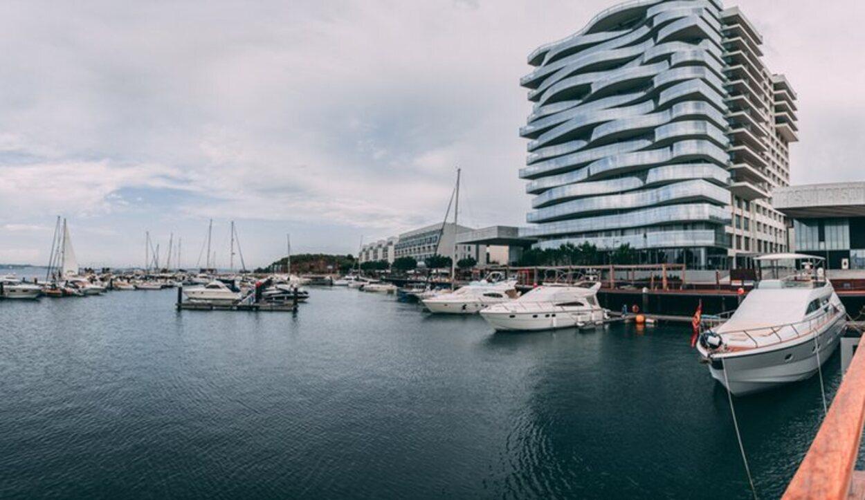Troia dispone de un moderno puerto marítimo en su nueva zona de lujo