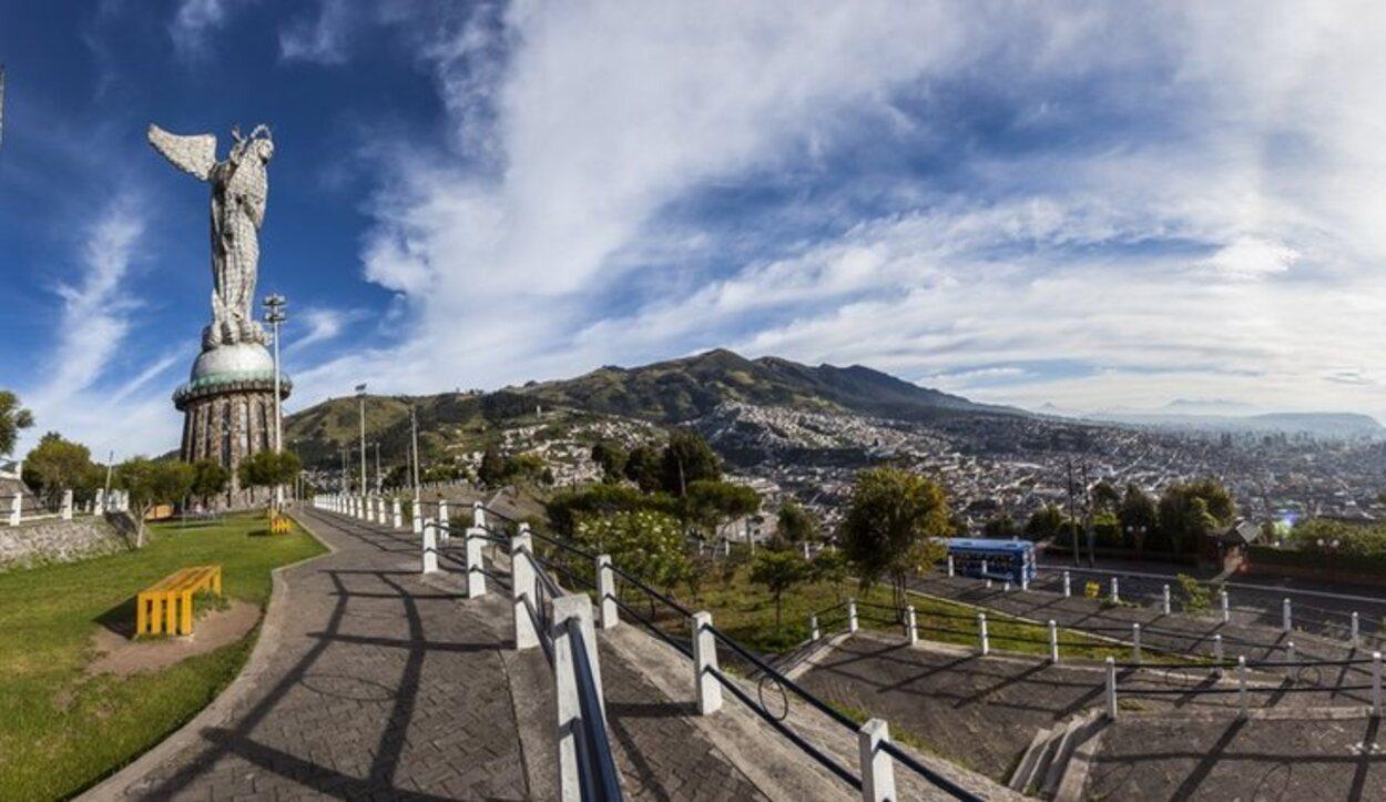 El mirador El Panecillo es uno de los rincones que no se pueden perder los turistas