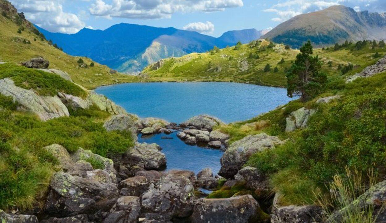 Estanys de Tristaina posee las rutas de senderismo más importantes de Andorra
