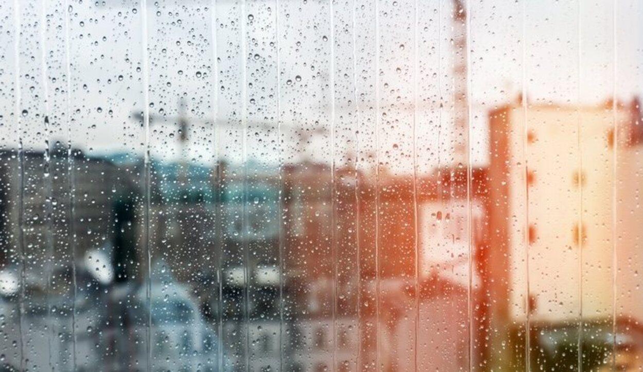 La precipitación media anual suele recoger unos 700 ml