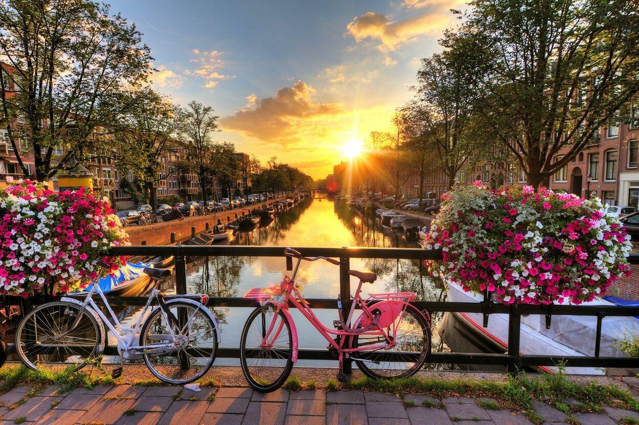 La capital de los Países Bajos es un lugar muy concurrido con 17 millones de turistas al año