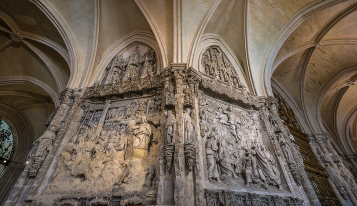 El Trasaltar muestra pasajes sagrados del Via Crucis hasta la Ascensión