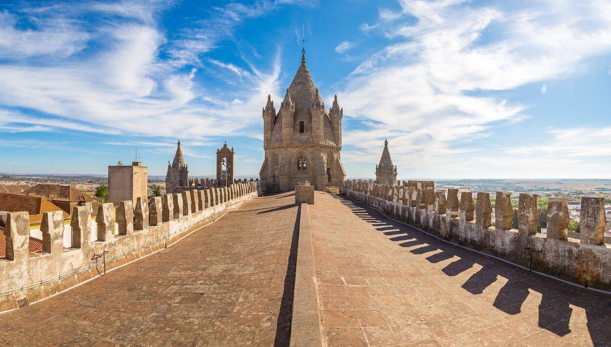 La catedral de Évora es una de las visitas obligadas si te encuentras en la ciudad