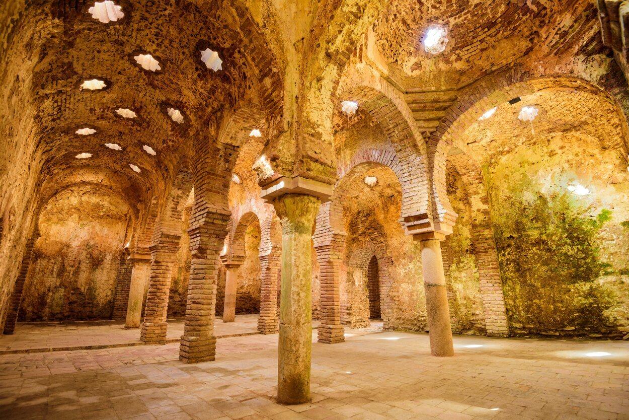 Los baños árabes de Ronda son una adaptación musulmanas las termas romanas