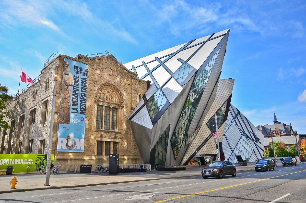 El museo contiene seis millones de elementos y más de 40 galerías