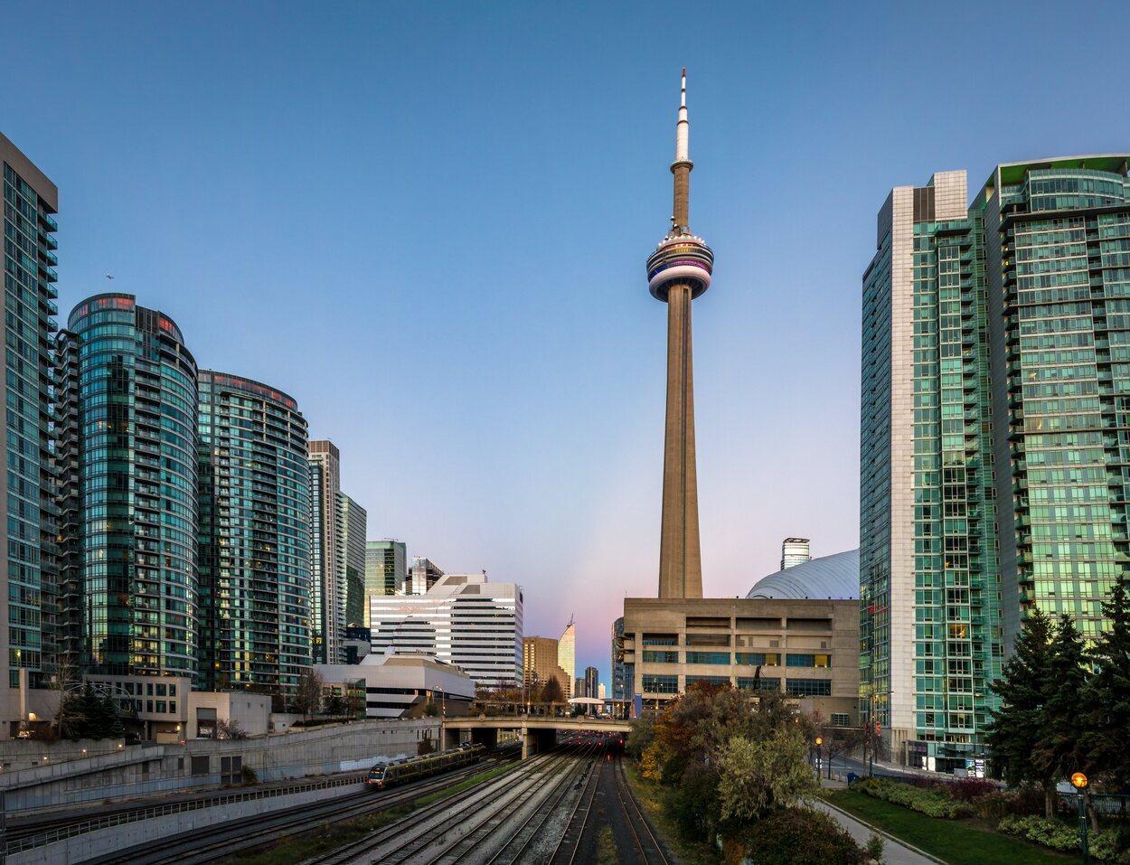 La Torre CN se terminó de construir en 1976