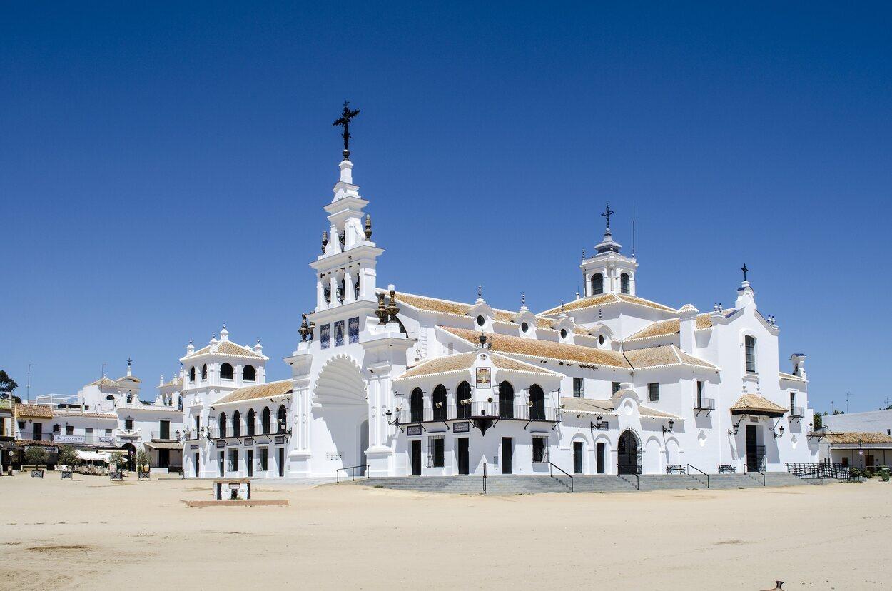 La aldea del Rocío es el corazón del parque de Doñana